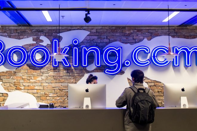 Booking busca hacer frente a las ventas directas