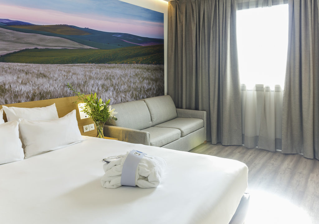 https://hotelier.com.py/wp-content/uploads/2019/05/3210_roqse_00_p_1024x768-1024x720.jpg